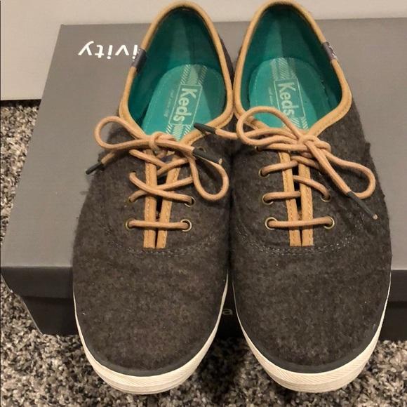 086ecae38d2 Keds gray casual tennis shoes sneakers